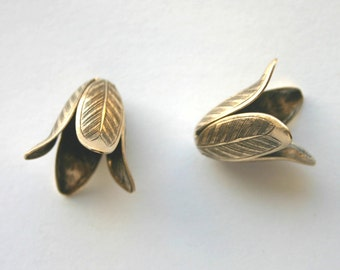 3 Tulip Flower Bead Caps in Antique Bronze 17x21mm Leaves Made in USA Boho, Woodland Nature