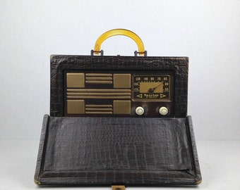 Rare Vintage Sparton Radio Antique Tube Radio 1940s Sparton Model 6AM06 Alligator Suitcase Portable Am Radio Suitcase Radio Old Radio 1947