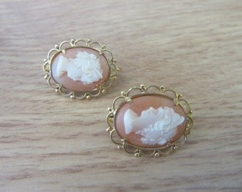 Vintage 18k yellow gold Oval Cameo earrings