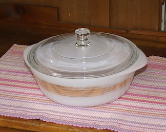Inland Glass Round Covered Casserole ~ Casserole and Lid ~ Two (2) Quart ~ Gold Trim ~ 1950s ~ Mid Century