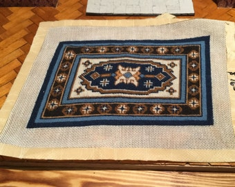 Vintage artisan handmade petit point needlepoint dollhouse rug carpet