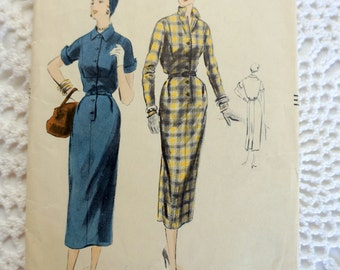 1950's Vogue 8152 Sewing Pattern Fitted Shirtdress With Collar Size 12 Bust 30 inches