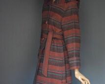 LA PETITE Hooded Toggle Button Deep Cuff Blanket Style Duffel Coat