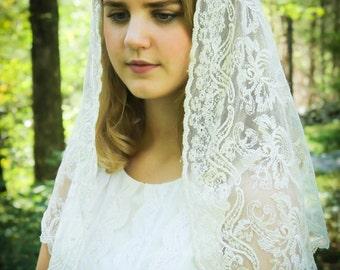 Evintage Veils Embroidered Ivory Lace Mantilla Chapel Veil Latin Mass