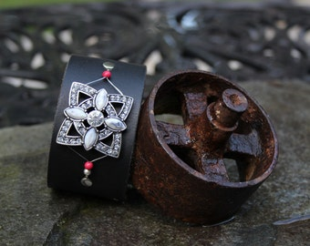 Starburst Black Leather Bracelet