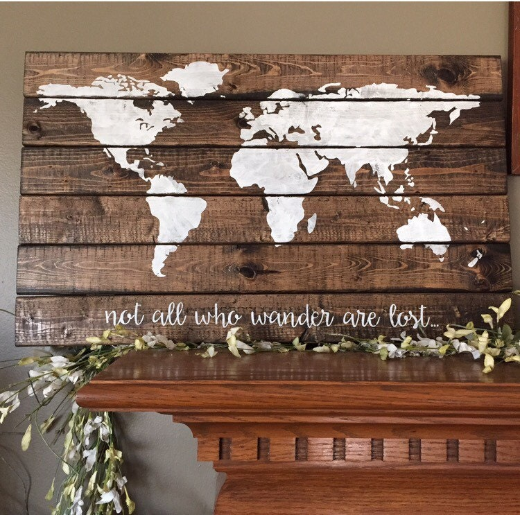 World map pallet world wood sign explore world map america for Bibelot deco