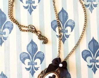 CUTE Anchor Cameo Necklace! Sailor Necklace. Nautical Necklace.
