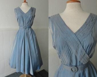 Lovely 40s Vintage Dress // Light Blue Taffeta