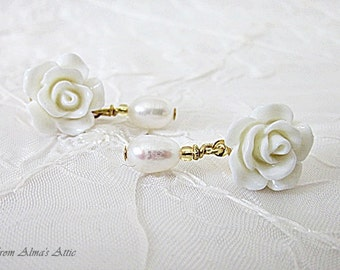 Rose Earrings, White Rose Earrings, Roses w Fresh Water Pearls, Rose Post Earrings, White Rose Studs, Flower Earrings, Petite Rose Dangles