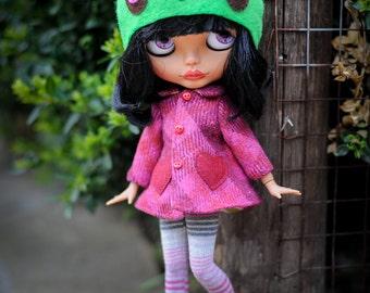magenta Blythe coat  - Blythe outfit from BlablaBlythe