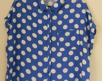 Vintage 1990's Cap Sleeved Blue Spotted / Polka Dot Loose Fit Shirt Size Medium / Large