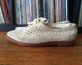 Vintage Womens HUSH PUPPIES Stamped Tan Leather SHOES Size 7 Slip On Oxford Brogues Pixie Flats