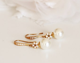 Gold Bridal Earrings Cream Pearl Earrings Gold Wedding Earrings Bridesmaid Earrings Gold Dangle Earrings Wedding Bridesmaid Gifts