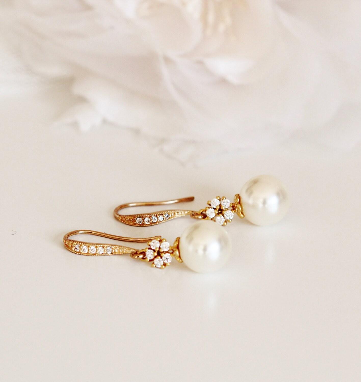 Gold Bridal Earrings Cream Pearl Earrings Gold Wedding Earrings Bridesmaid Earrings Gold Dangle Earrings Wedding Bridesmaid Gifts