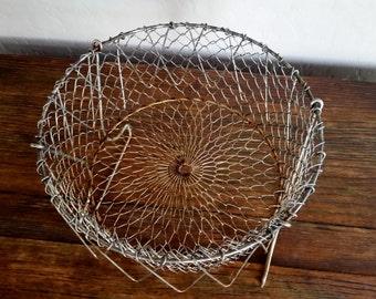 Vintage Wire Egg Basket, Collapsible Wire Basket, Farmhouse Kitchen Decor