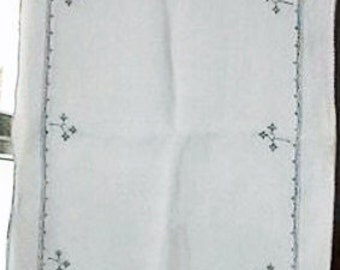Vintage Cotton table runner with hand cross-stitch blue details.