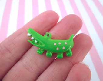 Green Resin Alligator Cabochons, Pick your Amount, #628A