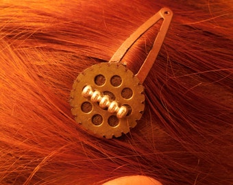 Steampunk snap hair clip Gear and Insulator