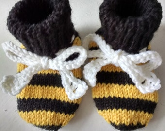 Bee booties 0-3 month size