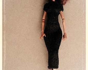 Hand Knitted Doll Outfit. Black Dress/Real color on the second foto
