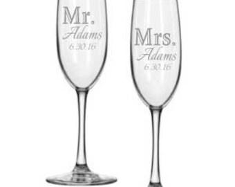 Bride and Groom Toasting Glasses - Wedding Champagne Flutes - Personalized Wedding Toasting Glasses - Champagne Glasses Bride and Groom