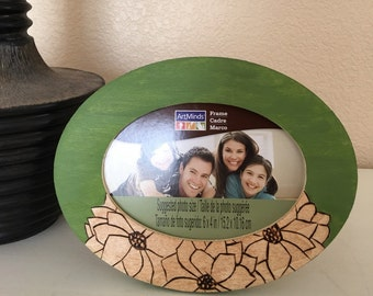 Oval 4 x 6 Green Flowers Picture Frame