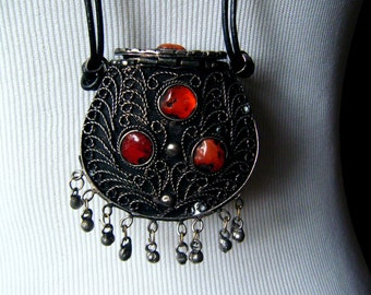 Vintage Tribal BEDOUIN AMULET Pendant Silver Filigree Carnelian Pendant Necklace Ethnic Pendant Necklace Silver Orange Agate Carnelian