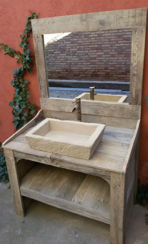 Salle de bain en palettes de bois recycl avec imitation for Salle de bain en bois de palette