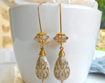 Oriental pearls drops original Retro Style earrings engraved ivory and gold on long beaded sleepers