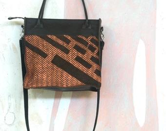 Leather dutch design shoulderbag with copper print