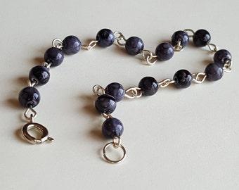 Small bead bracelet, dainty marbled bead bracelet, delicate beaded, small purple beaded bracelet, purple bracelet, dark purple bead bracelet