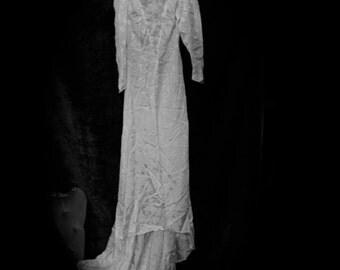 Ghostly Ivory Silk Jacquard 1940's Vintage Wedding Dress