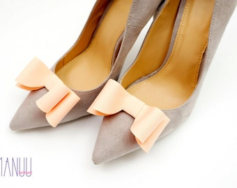 Salmon bows - shoe clips Manuu, Bridal shoe clips, Wedding shoe clips