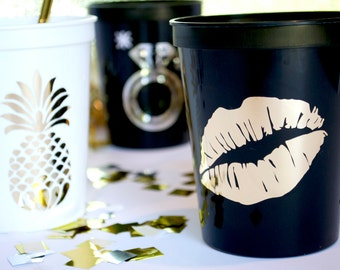 16 Oz Lips Plastic Stadium Cups Custom Bridal Party Favors Bachelorette Wedding Bridesmaid Gifts Glam Shower Monogram