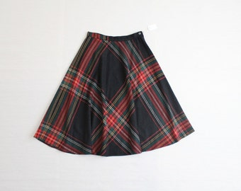 full plaid skirt / wool skirt / tartan plaid skirt