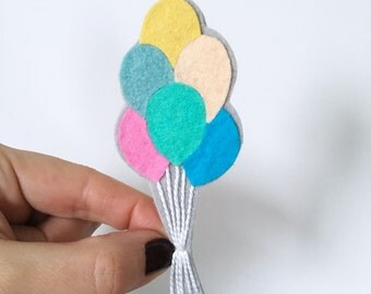 Balloon bunch pin brooch, Novelty pins, felt rainbow colors, gift for her, gift under 20, statement pin, retro pin, OOAK by HibouDesigns