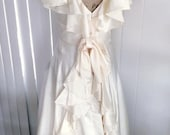 Drop Dead Gorgeous 60's does 40's Designer Lorrie Deb Cream Sateen Tea Gown -- Size M