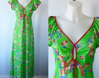 Vintage 1970s Nightgown, Green Floral Nightgown, 1970s Nightgown, Silfra, Vintage Nightgown, Nightgown