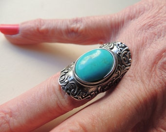 Sterling silver turquoise ring     VJSE
