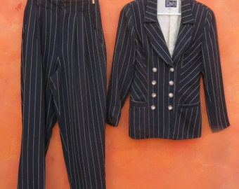 Vintage 1980s 1990s Women's Power suit. Black White Pinstriped 2 piece suit. Pants + Blazer Jacket Coat. David Cline Nina K