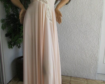 "OLGA DESIGNER NIGHTGOWN Seashell Pink 1970'S Collection negligee pale pink 92076 Size M-L 204"" sweep"