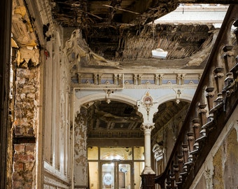 Urban Exploration. Urban Decay. Abandoned Places. Mansion Photography.