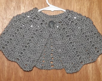Girl's Crocheted Capelet, Light Grey, Girl's Size Small 2, Soft Acrylic Shawl, Lace Crocheted Cape, Grey Buttoned Cape, Old Fashioned Shawl