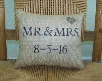 Mr and Mrs Pillow, Wedding gift, anniversary pillow, Mrs and Mrs Gift, his and hers pillow, stenciled pillow, FREE SHIPPING!