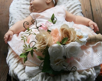 Bouquets / Paper Flower Bouquets / Wedding Bouquets / Bride & Bridesmaid Bouquets