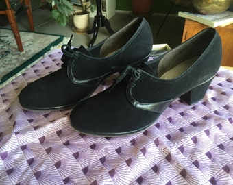 50's -60's Florsheim Roamer Style Suede Oxfords with Suede Soles- Perfect Swing Dance Shoe Size 7 1/2 B