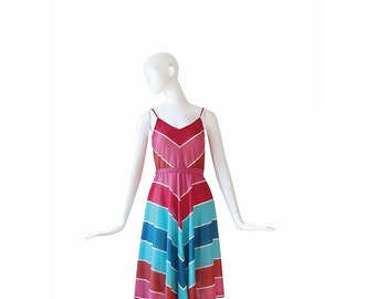1970s Dress XS / Small • 70s Chevron Sundress • Rainbow Stripes • Extra Small S
