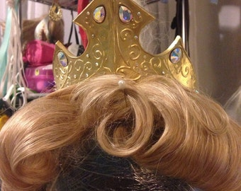 NEW Sleeping Beauty Crown and Necklace
