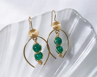Dangling jade agates earrings handmade with gold wire