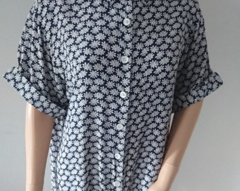 Vintage 90s nightingales floral short sleeve blouse